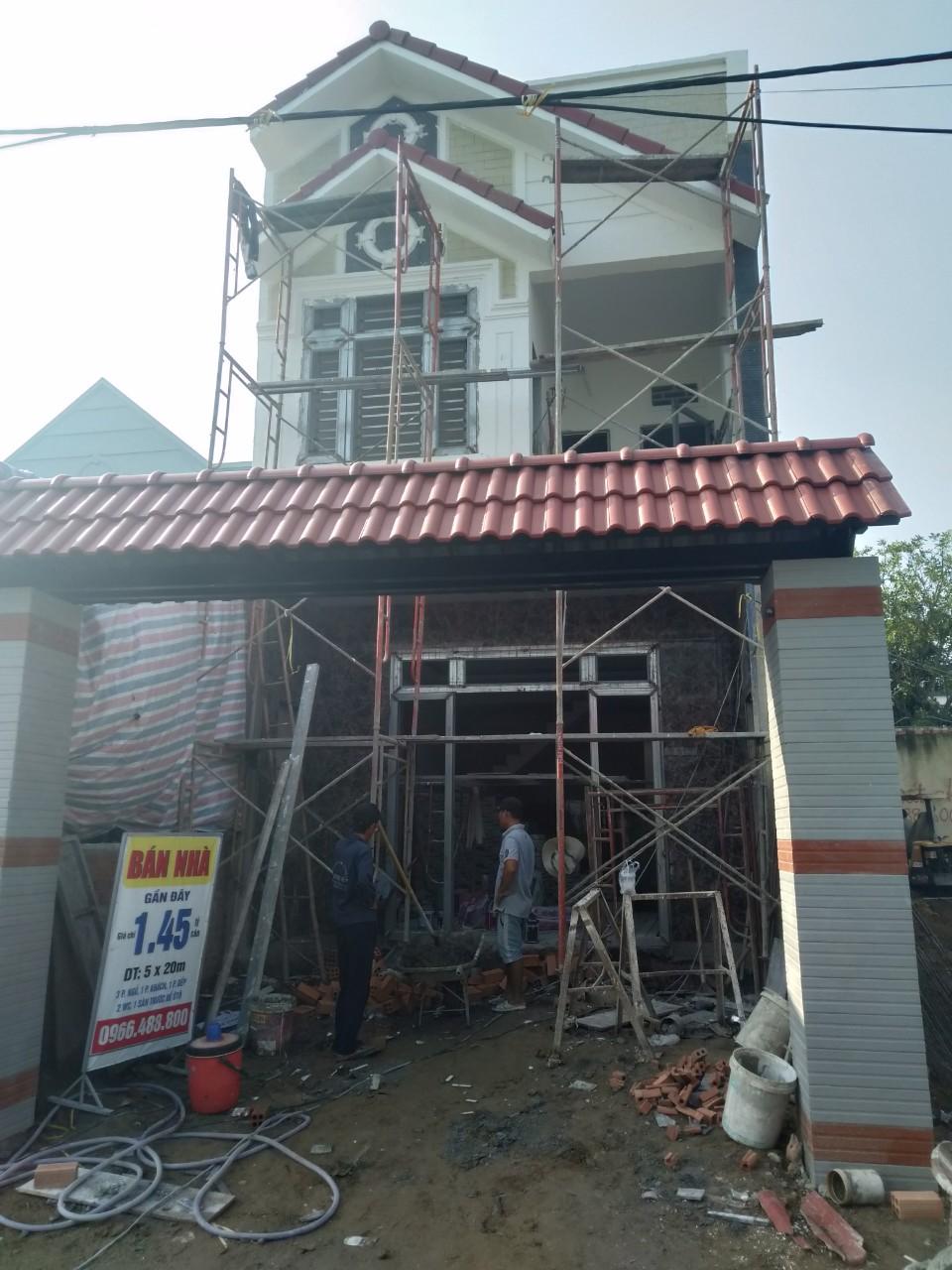 Mặt tiền nhà phố 5x15 đang hoàn thiện